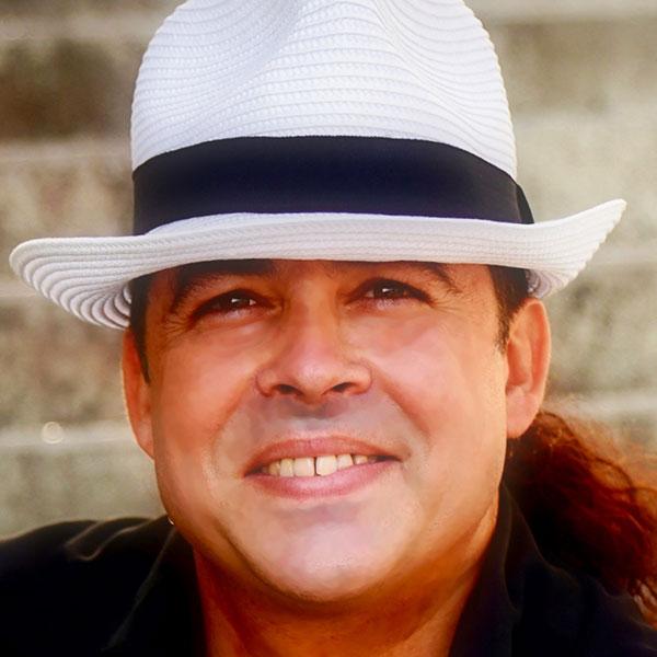 <br>Estevez, Luis